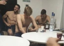 L. Dončičius su komandos draugais po pergalės prieš Argentiną atsipalaidavo su alkoholiu, kortomis ir kaljanu