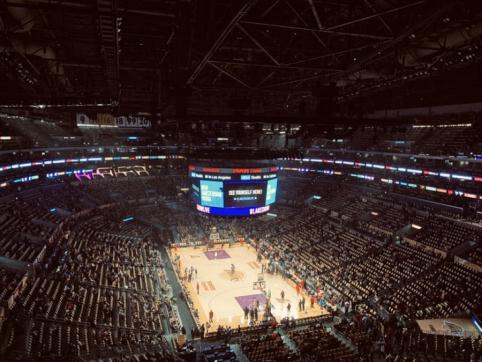 """Rezultatyviose rungtynėse """"Bucks"""" laimėjo trečią kartą ir maksimaliai priartėjo prie NBA titulo"""