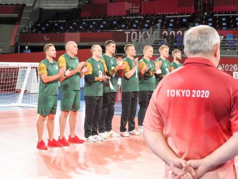 Puikiai žaidusi Lietuvos golbolo rinktinė pateko į pusfinalį Tokijuje